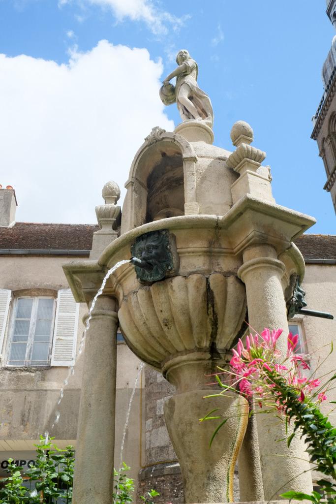 Fontaine Caristie